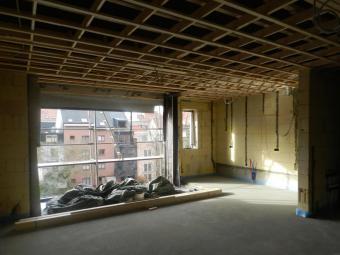 Living en keuken tijdens de bouw