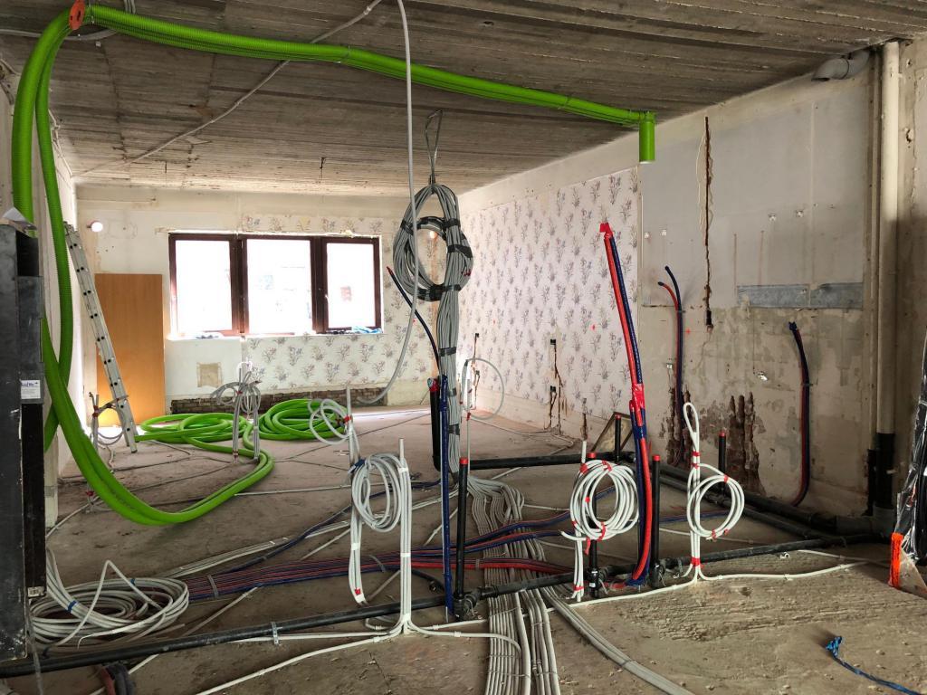 - Ventilatie en elektriciteitswerken